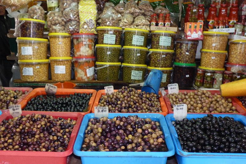 Portugalsko - olivy na  tržnici