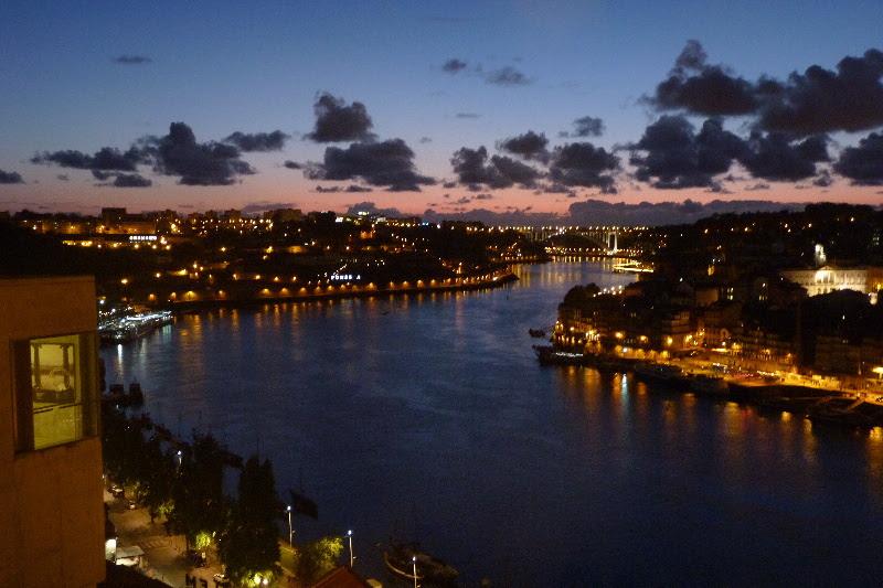 Porto, vděčné panorama města a řeky Douro
