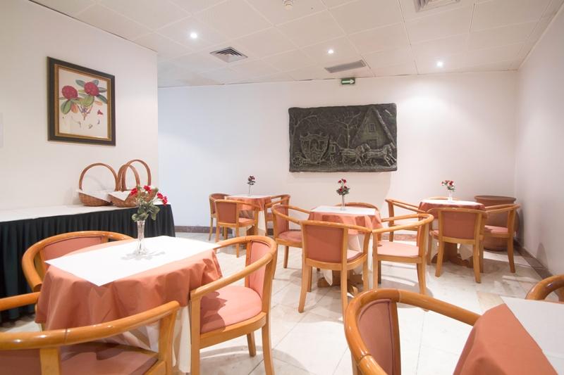 Snídaňová místnost v hotelu do Centro, Funchal