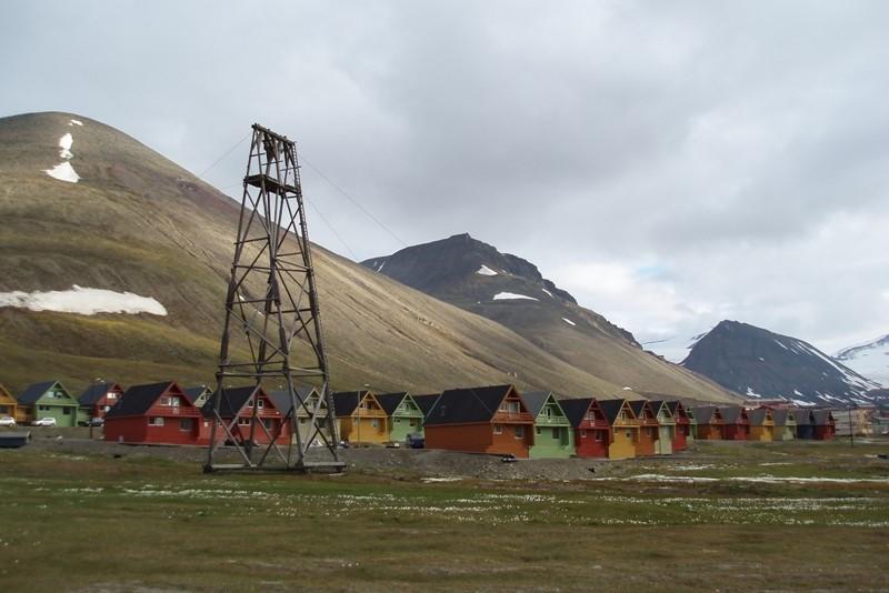 Stará těžební věž v Longyearbyen