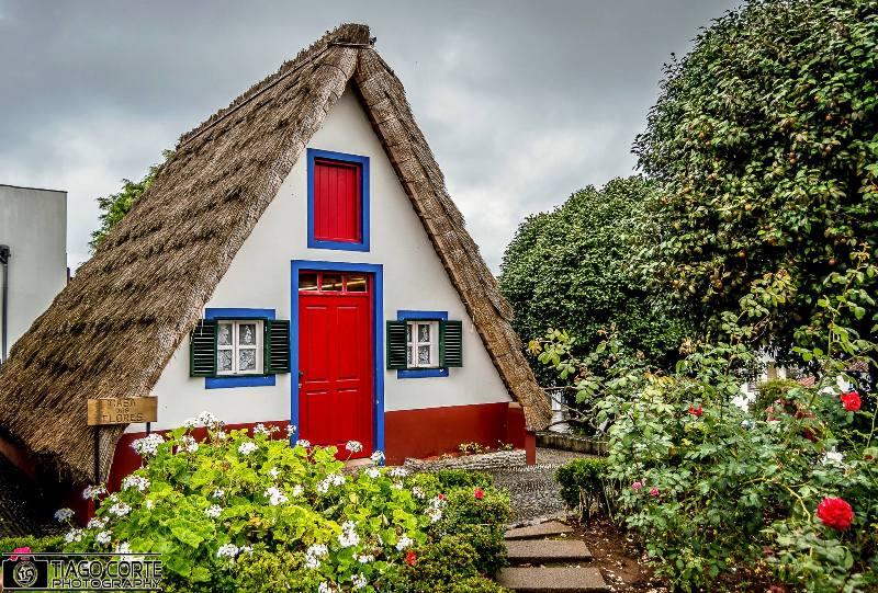 madeira-azory.cz / Typický domeček ve tvaru Av Santaně
