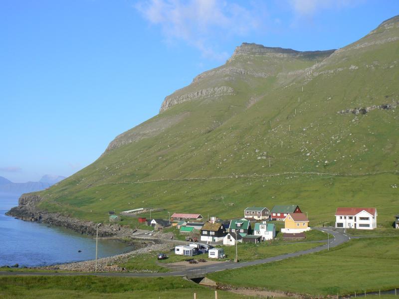 Vesničky na Faerských ostrovech působí pustě