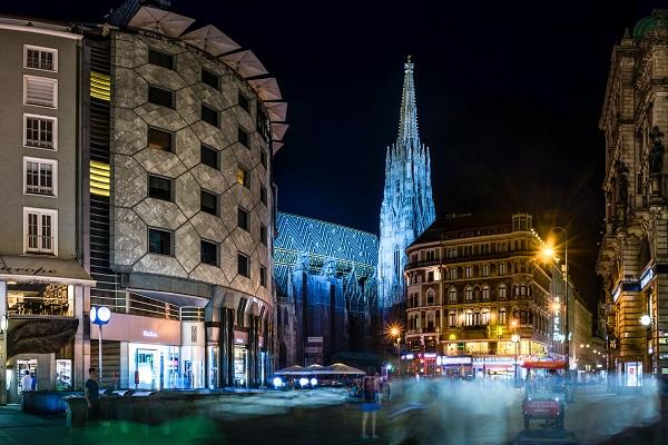 Vídeň - večerní nálada u katedrály Sv. Štěpána