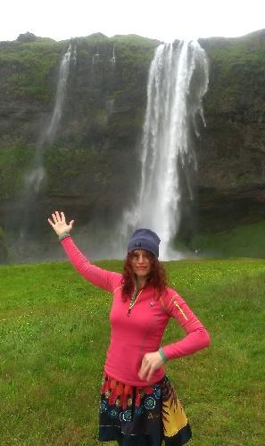 Cestovali snámi / Vodopád Seljalandsfoss aSára Saudková